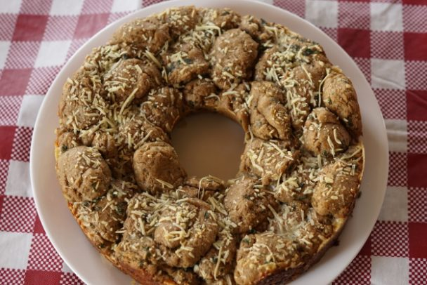 Einkorn Garlic Pull-Apart Bread